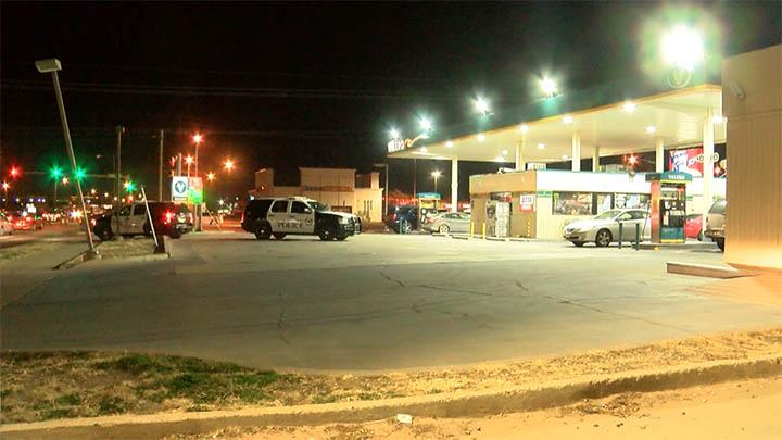 Robbery at Valero, 50th & Slide (1-14-19) - 720