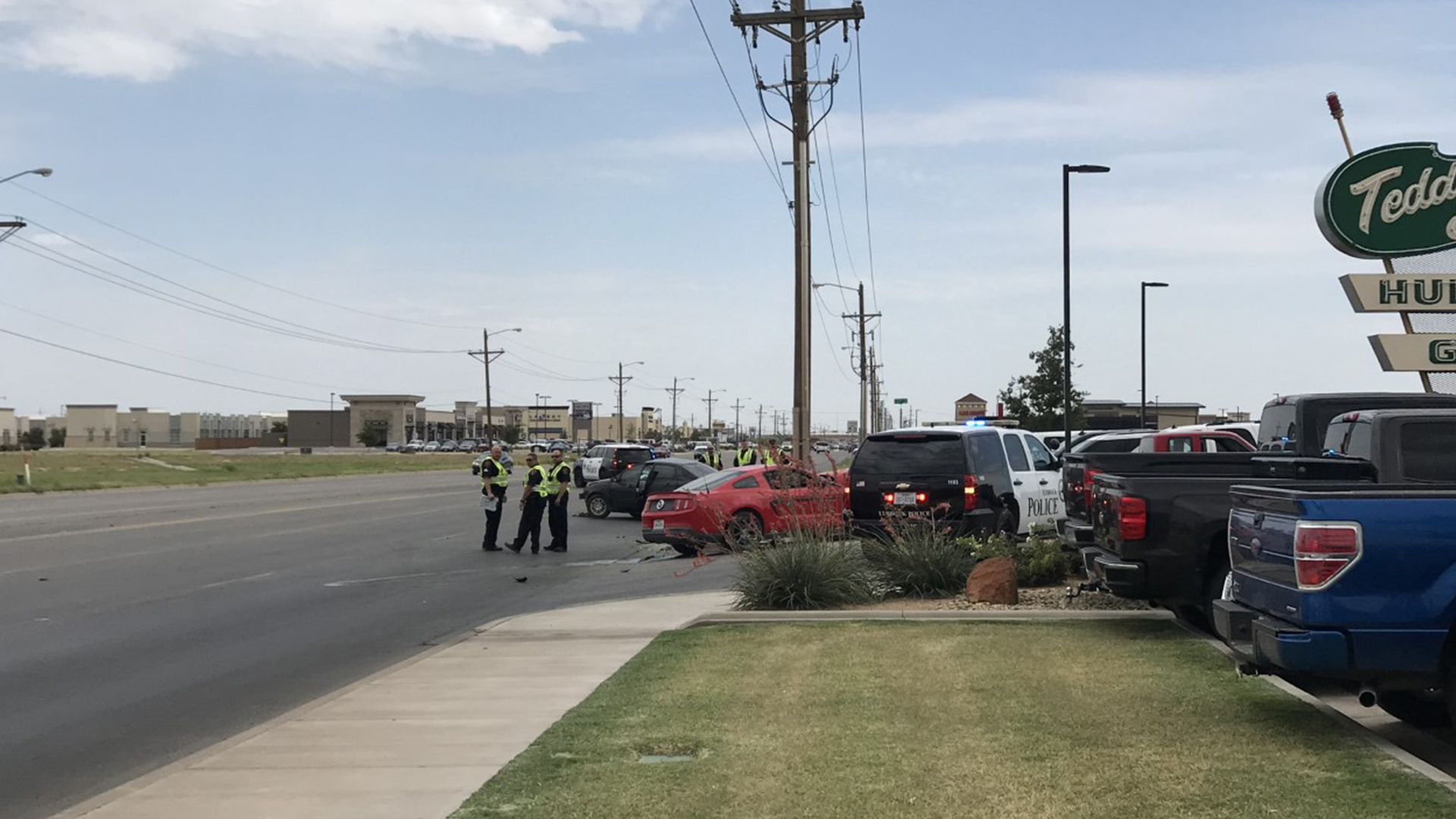 Deadly two-vehicle crash in Southwest Lubbock, LPD confirms | KLBK