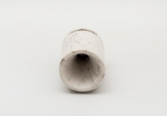 ovo-monitillo-marmi-passive-iphone-amplifier-made-from-carrara-marble 05