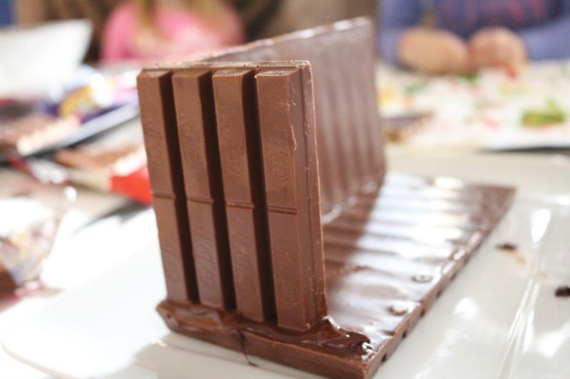 emb-chocolate_house-steps_3