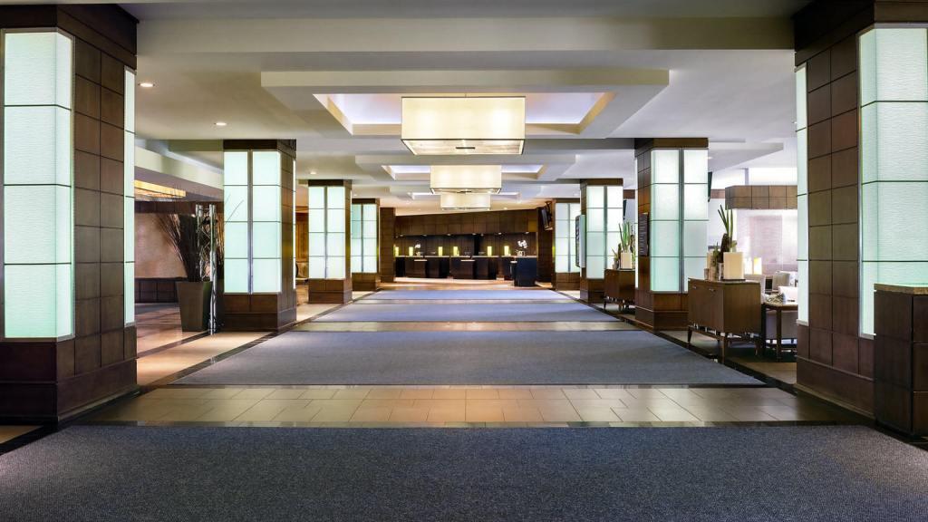 wes1084lo-172554-Hotel-Lobby