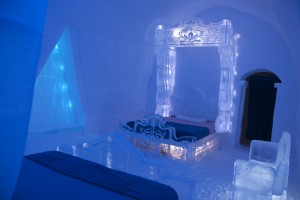 Disney Frozen Themed Suite Hotel De Glace
