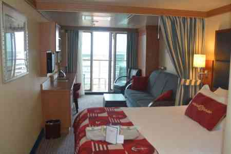 Disney Fantasy Deluxe Family Oceanview Stateroom Review