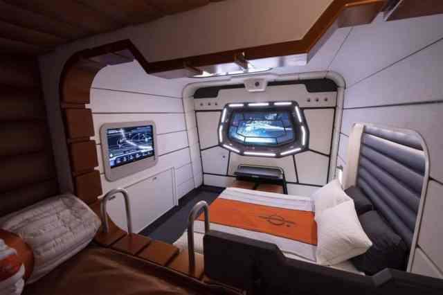 star-wars-galaxy-s-edge-galactic-starcruiser-hotel-room-