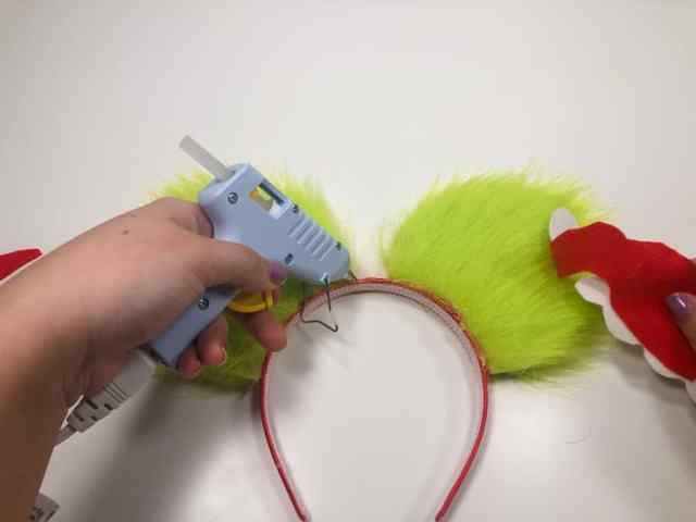 Make Your Own Disney Christmas ears