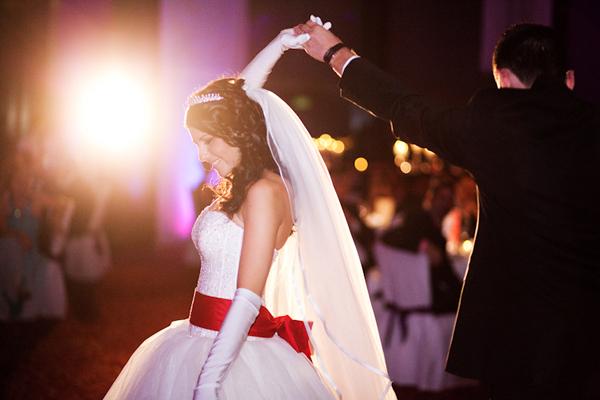 Gayret Kemeri  was tatschlich hinter dem Hochzeitsbrauch
