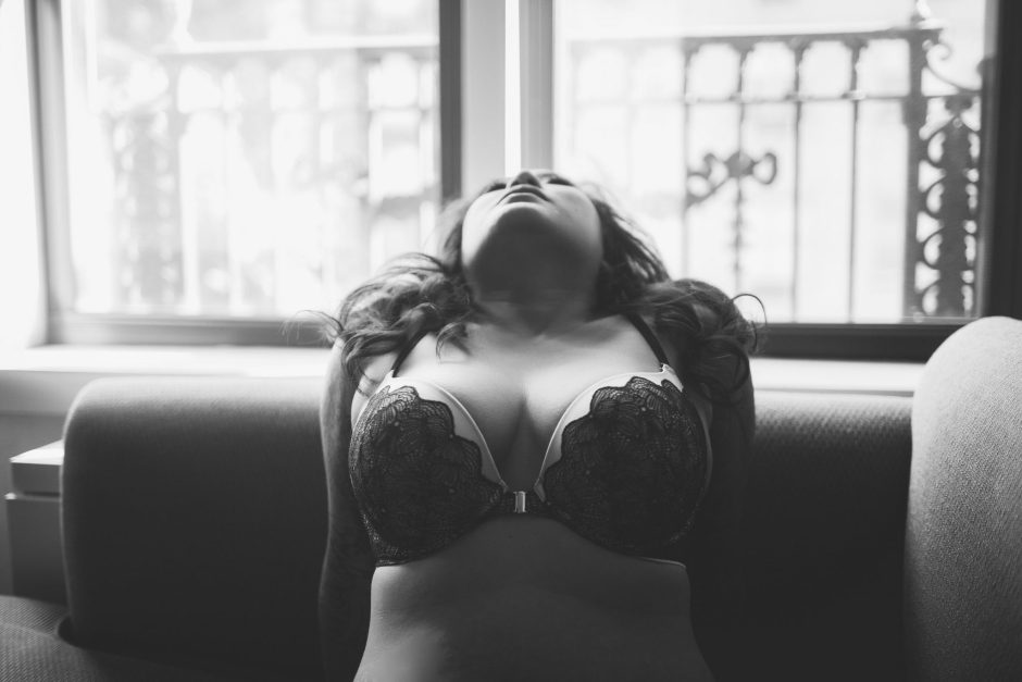 A boudoir session in a NYC hotel