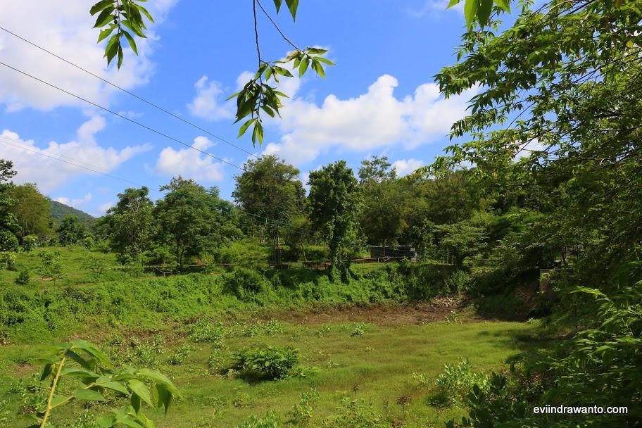 hutan wisata lawar