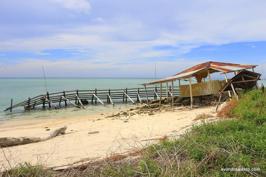 Misteri Pulau Manimbora