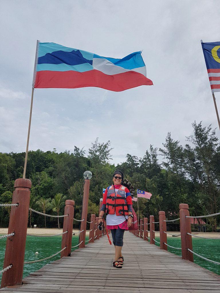 Di bawah bendera Sabah - Manukan Island