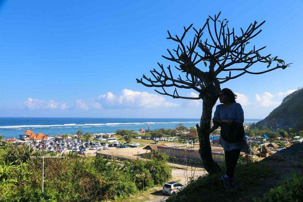 Foto dari area parkir Pantai Pandawa Bali