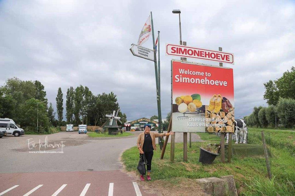 Pabrik Keju dan Bakiak ( Klompen) De Simonehoeve