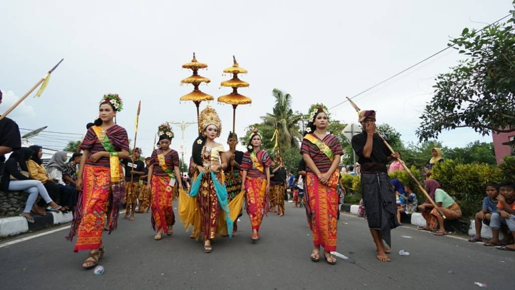 Warna-Warni tenun Lombok
