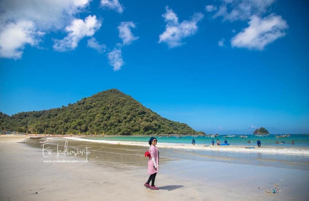 4 Pantai Lombok tengah menanti anak Instagram