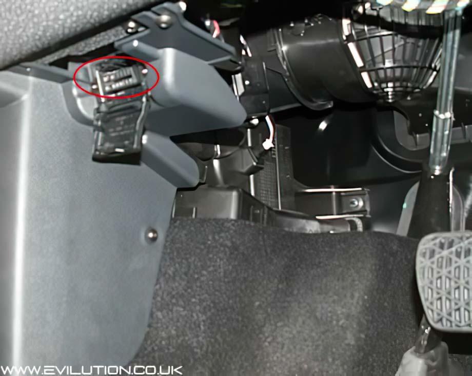 smart roadster fuse box