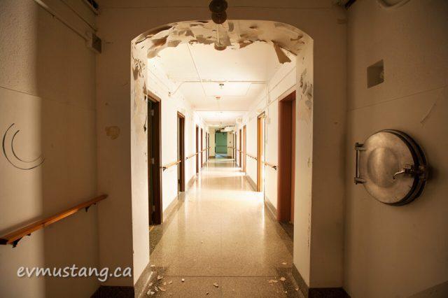 erring_mount_hallway