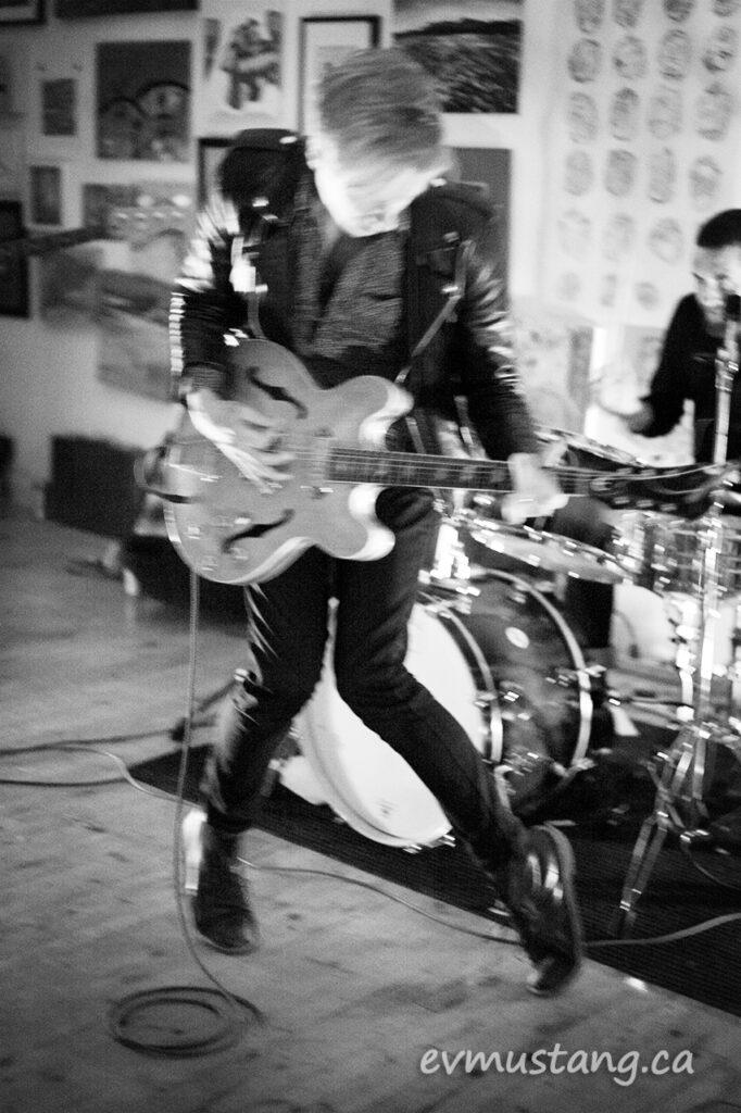 image of graeme kennedy playing at artspace peterborough
