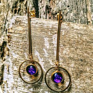 boucles tiges dorées violet profond evol bijou