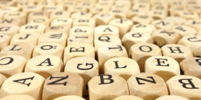 langue-intelligence-artificielle-code