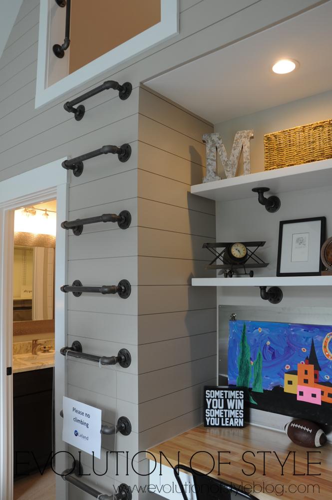 Kid's room with loft
