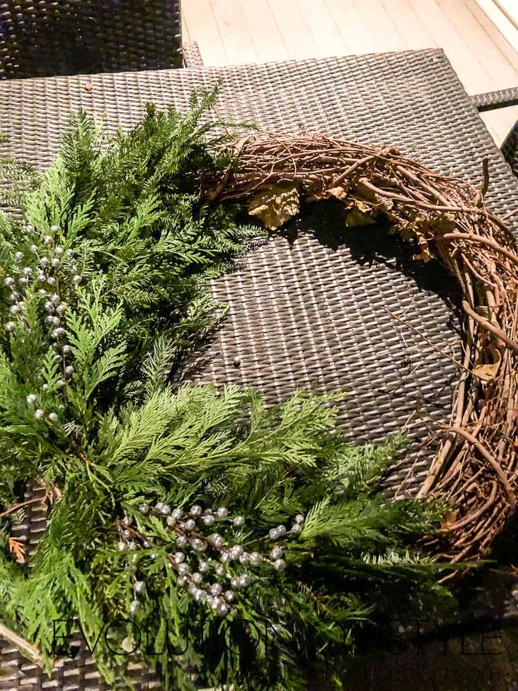 Beautiful Winter Wreath - DIY