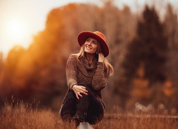 femme heureuse sans ruminations