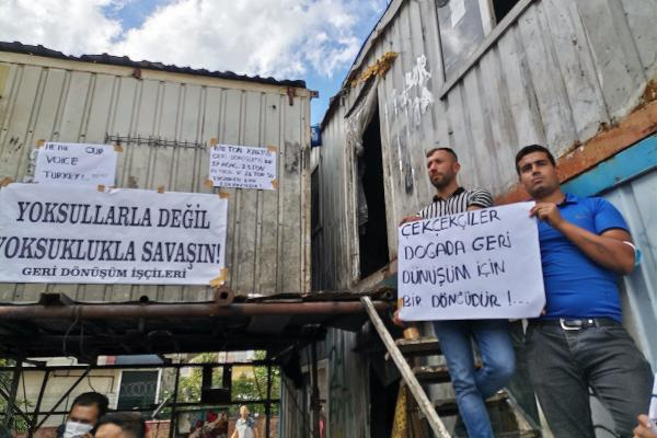 Geri dönüşüm işçilerinin basın açıklamasından bir fotoğraf.