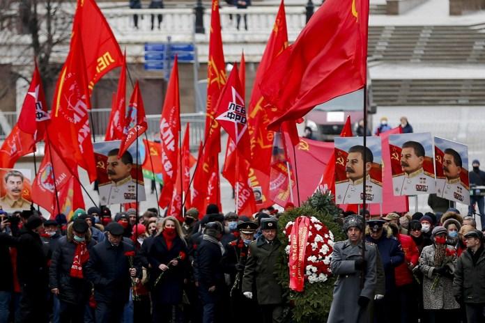 Josef Stalin'in 141'nci doğum günü Rusya'da düzenlenen törenle kutlandı.