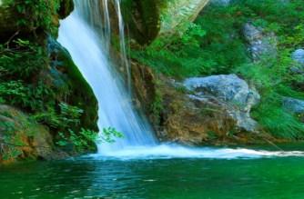 Σαμοθράκη: Τα best off, άγρια φύση, καταρράκτες, λίμνες και δάση ως τις παραλίες