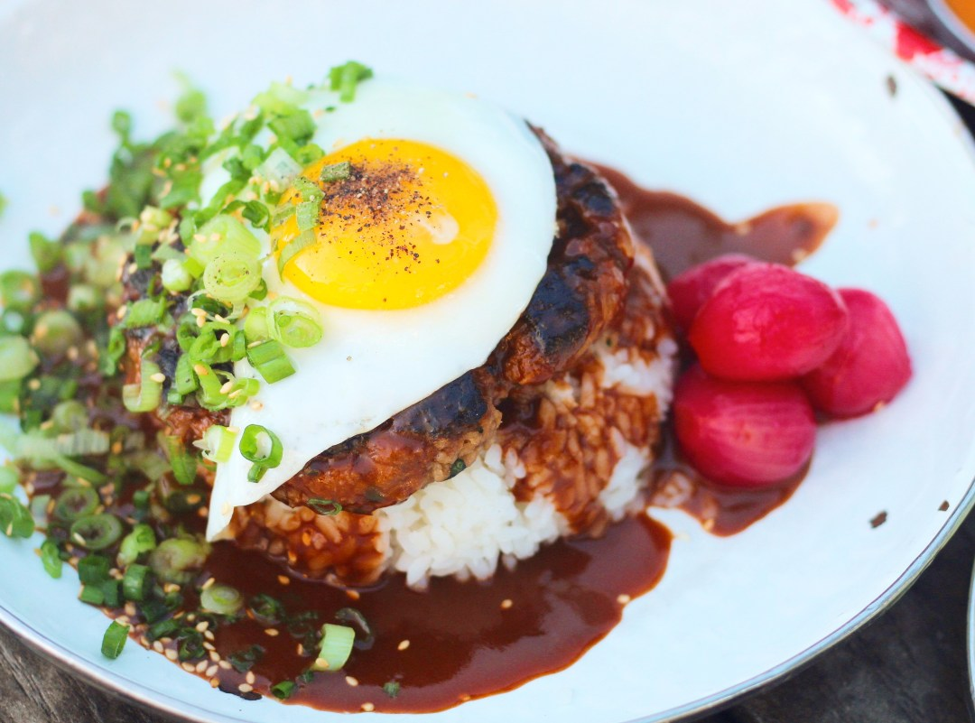 A Taste of Hawaii Mixed with LA- A Frame - Ev\'s Eats