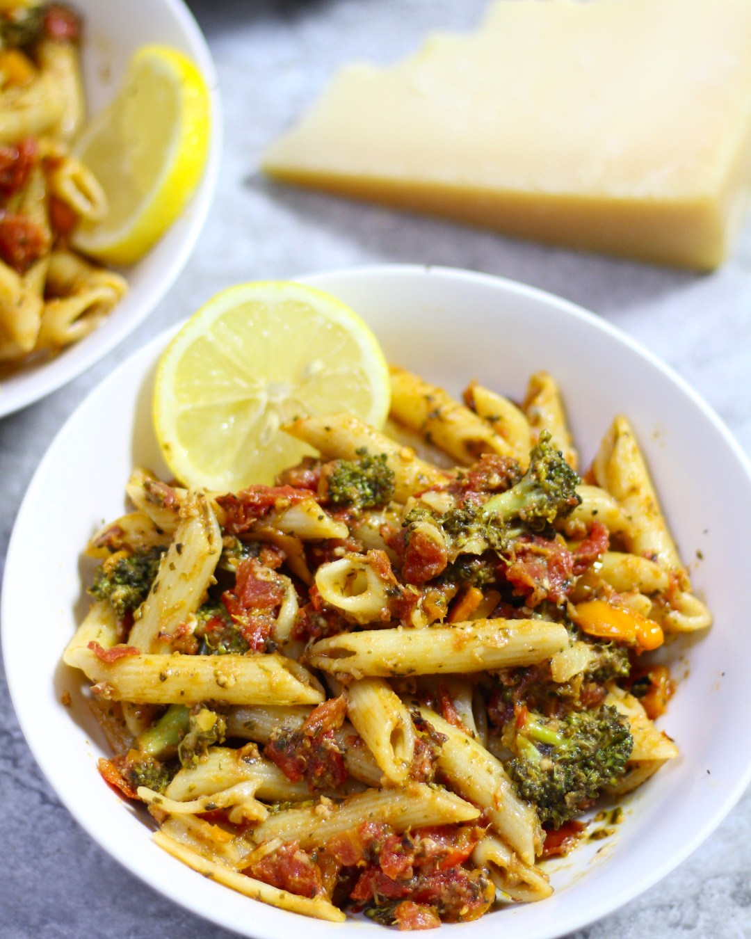This Fire Roasted Tomato Penne Pasta is a household favorite, and for me has also been quickly dubbed as the lazy man's spaghetti.