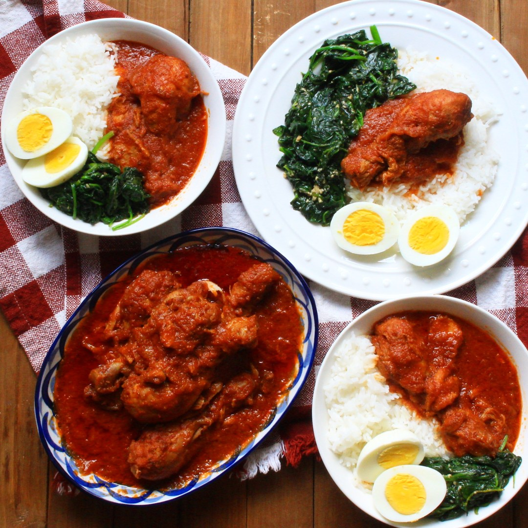 Spicy and aromatic Nigerian Chicken Stew made with roma tomatoes, red bell peppers, and seasoned chicken. A very classic and popular dish from Nigeria that can be eaten with many things.