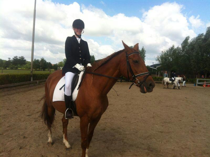 Anne Maaike op wedstrijd! 2e plaats!