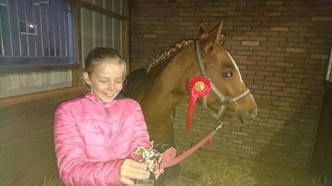 Rosan 2e op haar eerste wedstrijd!