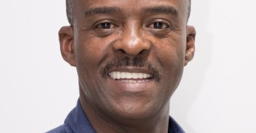 Ary ChalusPrésident du Conseil Régional de Guadeloupe