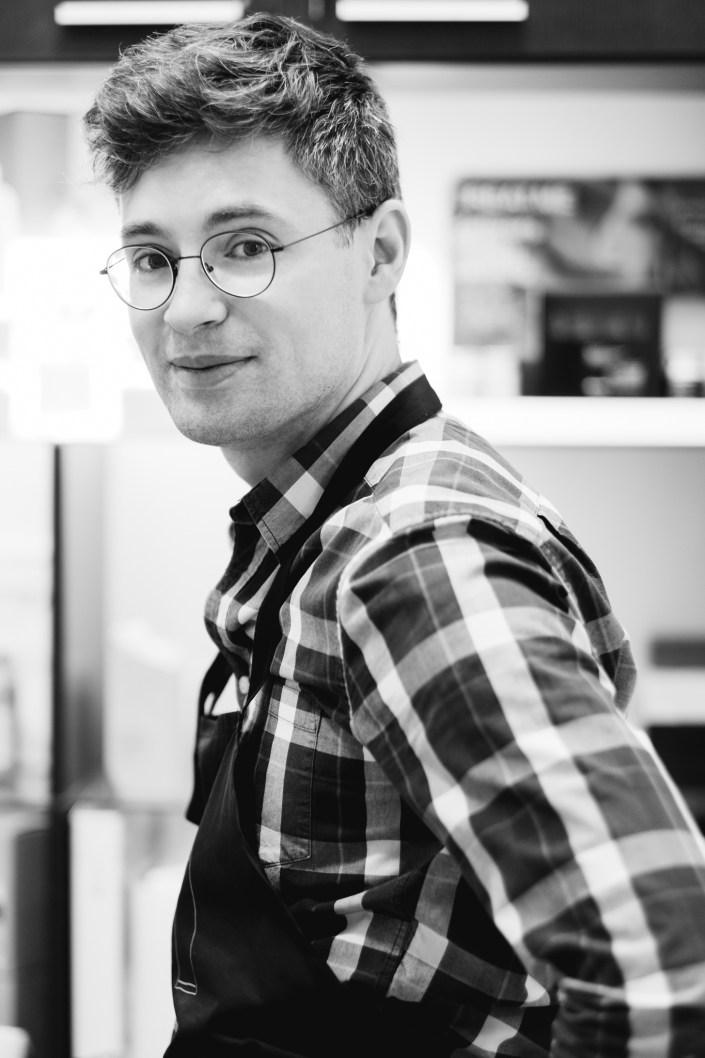 Zdjęcia wizerunkowe stylisty fryzur Mazurkiewicz Robert