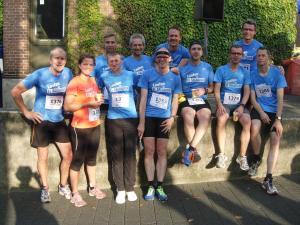Ein Großteil der Laufgruppe nach dem Zieleinlauf!