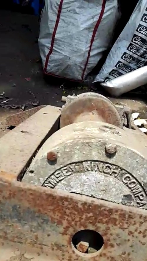 small resolution of identifying this model of ramsey winch