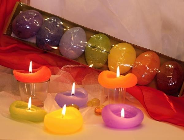 Poznejte na vlastní kůží harmonizující světlo očistných svíček