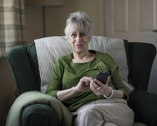 Nový smartphone Doro 8035 pro seniory