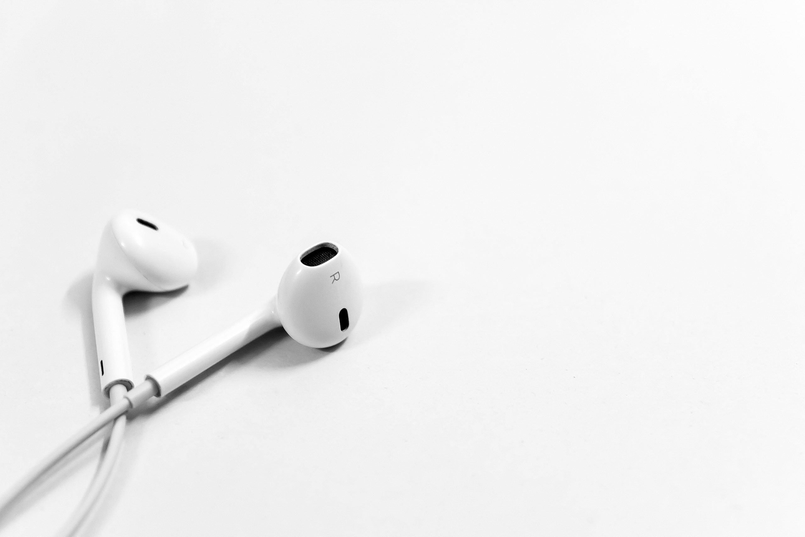 an image of earphones.