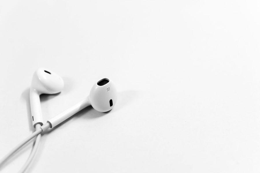 an image of earphones.