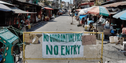 A street in a Manila district under quarantine. Photo: AsiaNews