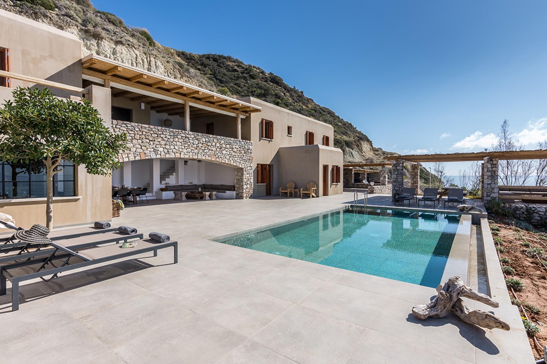villa celia beachfront 12 bedrooms