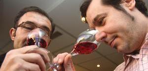 Dos vasos de vino al día previene la oxidación de las neuronas