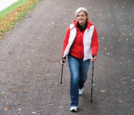 Caminar rápido da más años de vida