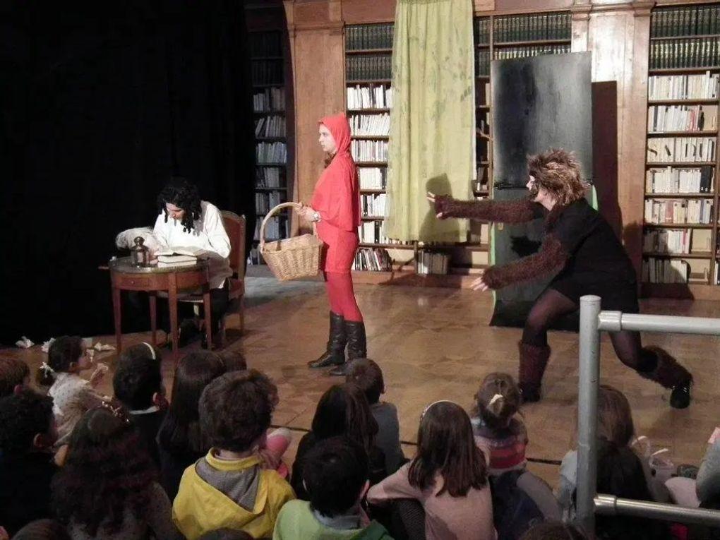 extrait spectacle comment faire un bon petit chaperon rouge charles perrault david furlong charlotte whitaker fanny dulin institut français