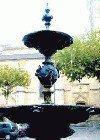 Fontaine vue contre plongée