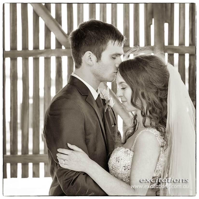 Toned art style monochrme wedding portrait by Excitations.