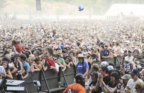 A crowd shot from Pemberton, courtesy exclaim.ca.